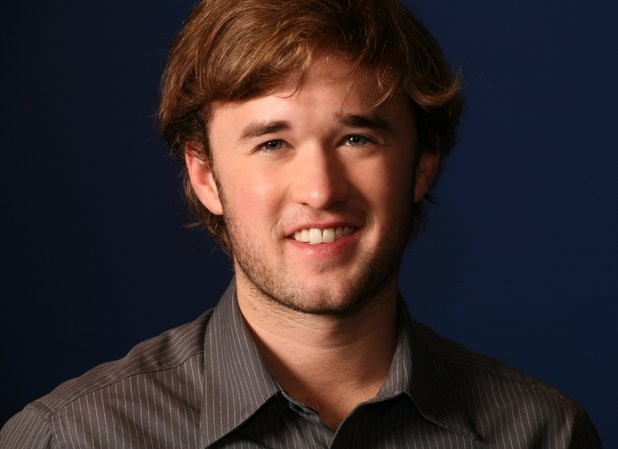 Kevin Smith's Tusk Signs Haley Joel Osment