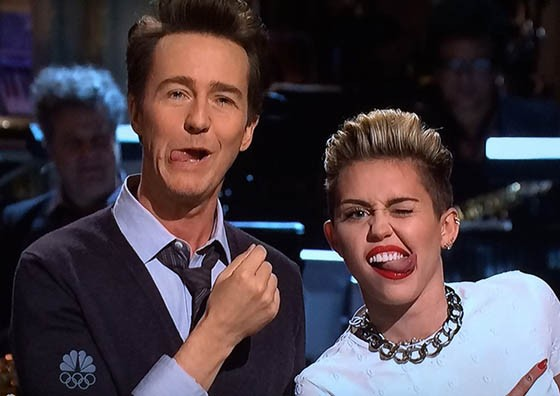 Miley Cyrus Announces 2014 Tour During SNL Cameo