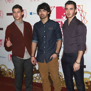 Jonas Brothers To Release Mini Farewell Album