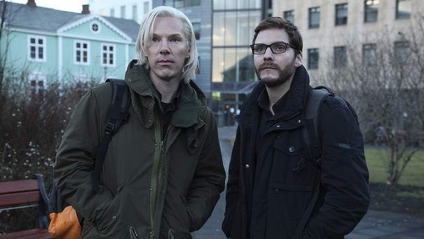 The Fifth Estate Director Bill Condon Blames Films Reception on Julian Assange