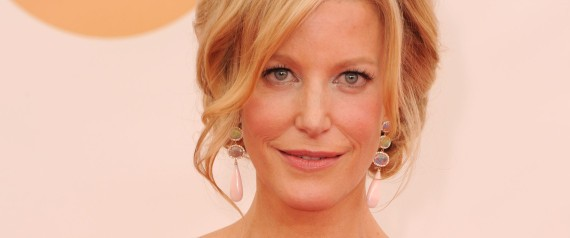 Breaking Bad's Anna Gunn To Don Scrubs For The Mindy Project