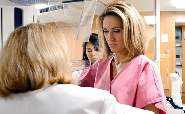 Good Morning America Reporter Diagnosed With Breast Cancer After On-Air Mammogram