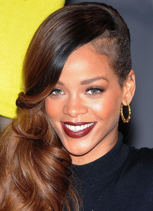 Rihanna Describes Music Video For