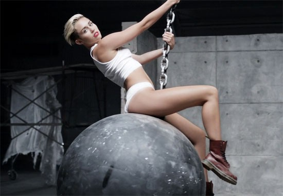 Miley Cyrus Hits The UK's The X Factor With Wrecking Ball