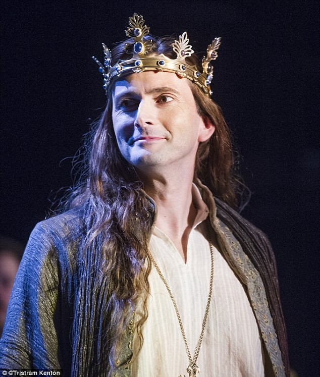 EW Releases Short Clip Of David Tennant's Richard II Performance
