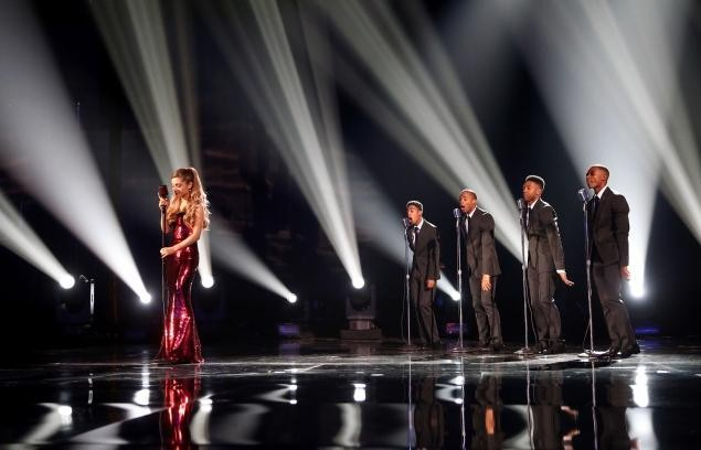 Pop 5: PopWrapped's Top 2013 American Music Awards Performances