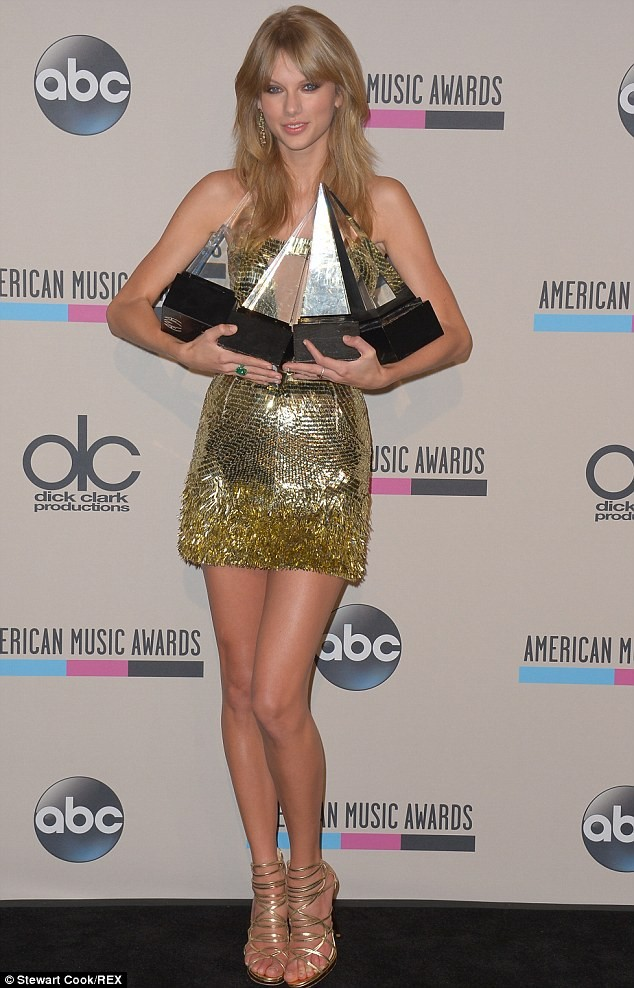 Thanksgiving For Taylor At The AMA's: Gratitude And Excitement