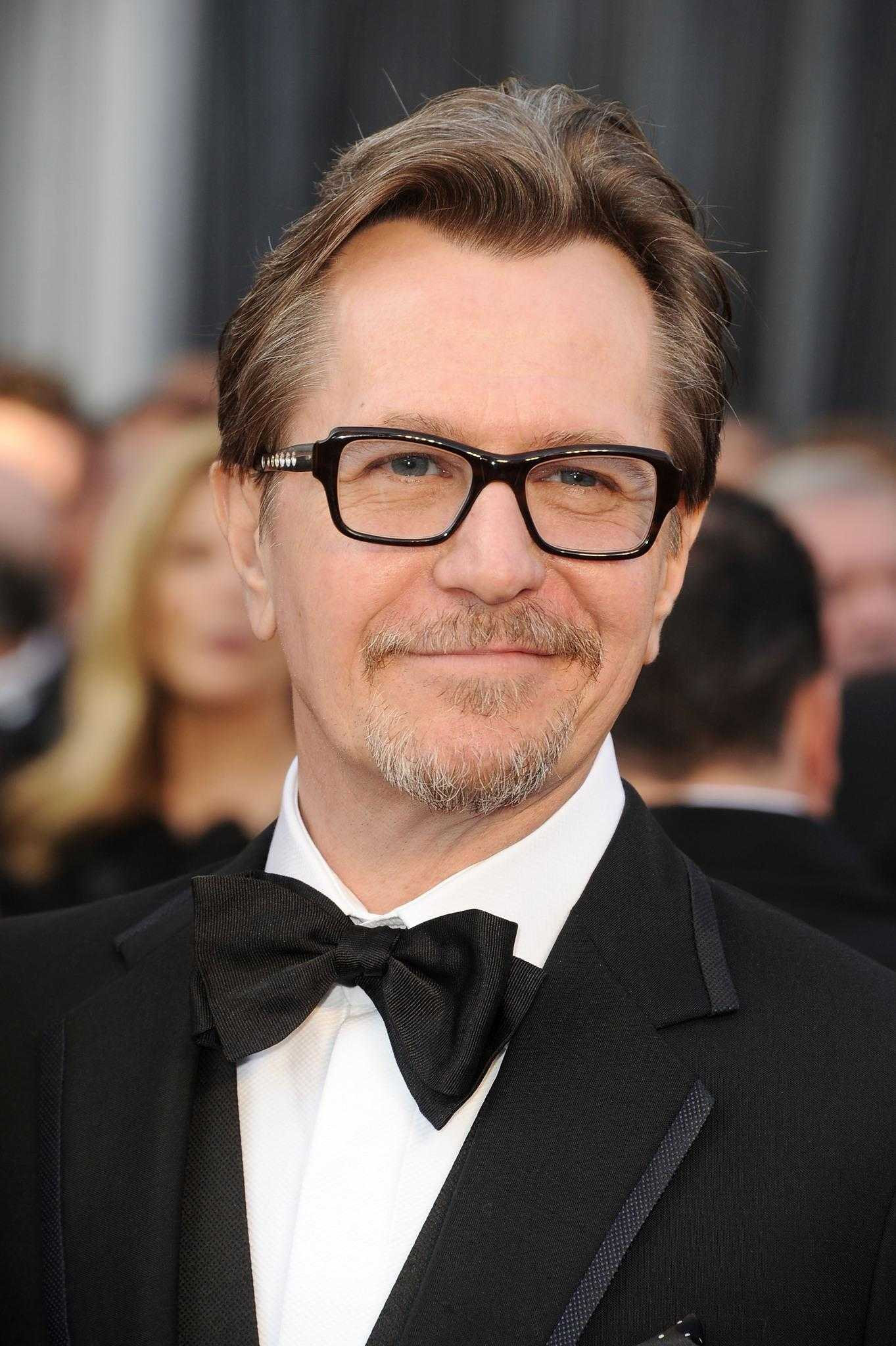 Gary Oldman Shares His Thanksgiving Thoughts