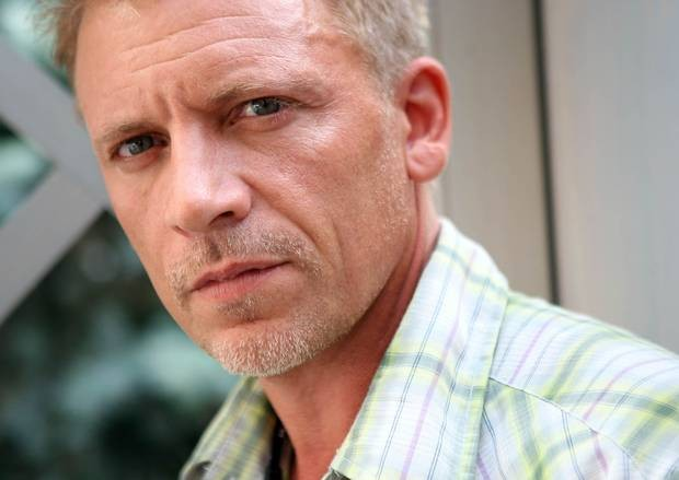 Fifty Shades Of Grey Cast Callum Keith Rennie As Ana's First Stepfather Ray