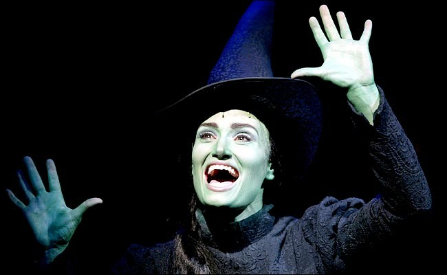 Idina Menzel Discusses Her Wish To Be Involved In Wicked Adaptation