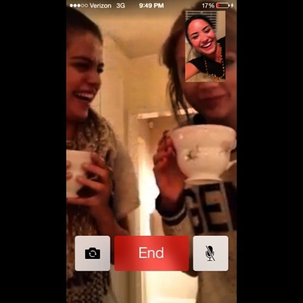 BFFs Selena, Taylor and Demi Catch Up Over Facetime With A Cup Of Tea