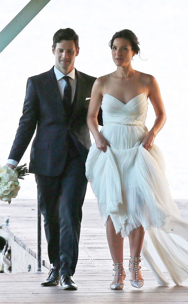 The New Normal's Justin Bartha Weds Girlfriend In Hawaii