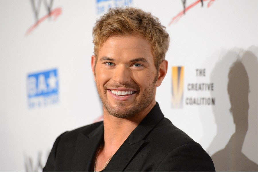 Kellan Lutz Hits Back At Perez Hilton Over Miley Cyrus Relationship Claims