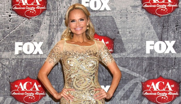 Kristin Chenoweth Returning To Comedy Series Kirstie