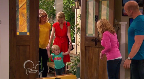 Good Luck Charlie Showcases The Disney Channel's First Gay Couple