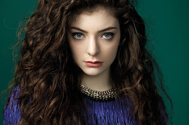Lorde Takes To Twitter To Rage Against The Paparazzi