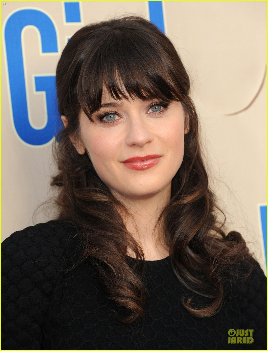 Zooey Deschanel To Take Her Quirkiness Behind The Scenes