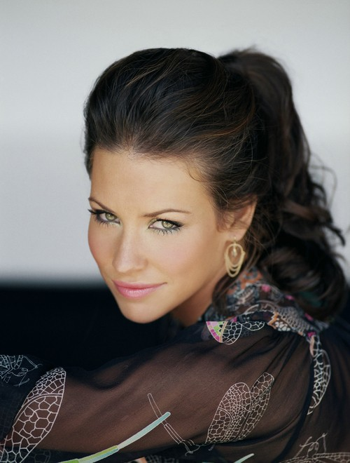 Evangeline Lilly May Bug Out With Paul Rudd In Marvel's Ant-Man