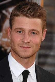 Benjamin McKenzie Set To Play Young Commissioner Gordon In Fox's New Batman Series