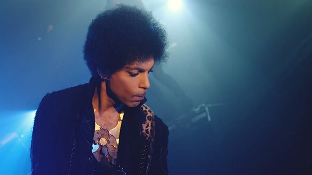 Prince Performs New Collaboration With 3rdEyeGirl On The Arsenio Hall Show