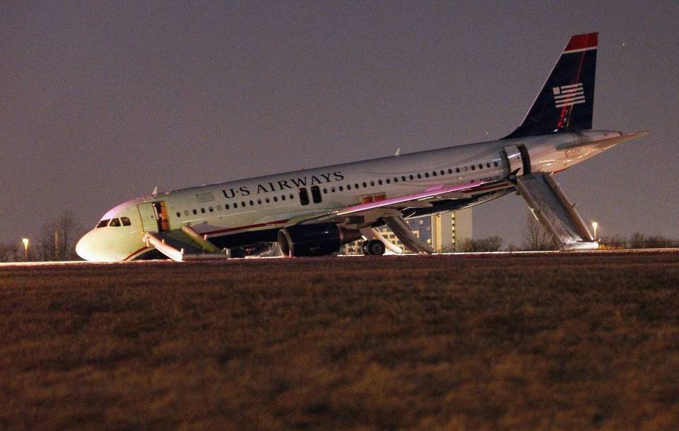 Minor Injuries For Passengers Of U.S. Airways Flight After Tire Blows During Takeoff