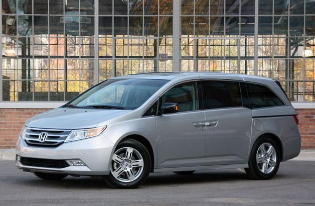 Honda Recalls 900,000 Minivans