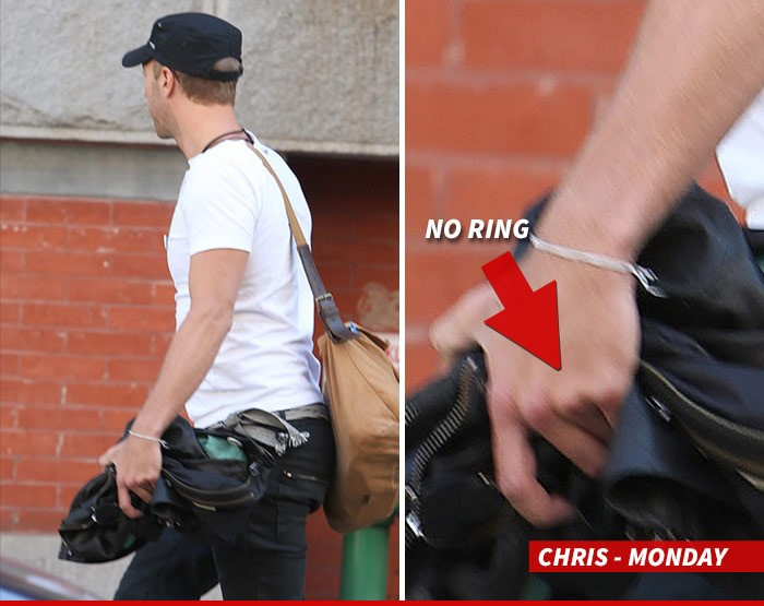 Sorry, Gwyneth Paltrow: Chris Martin Spotted In NYC Without His Wedding Ring