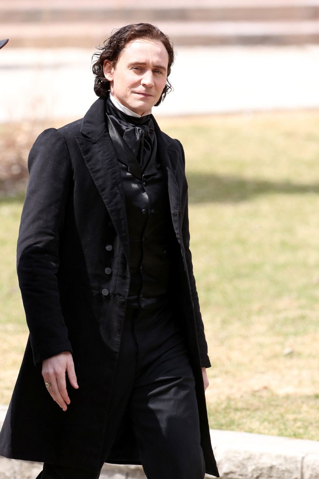 New Photos Of Tom Hiddleston In Victorian Costume For Crimson Peak