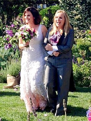 Melissa Etheridge and Linda Wallem Marry In California Ceremony!