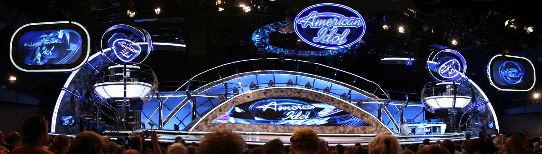 The Curtain Will Fall On The 'American Idol Experience' In 2015
