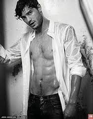 Red Room Of Hot: First Photo Released Of Jamie Dornan In 50 Shades Of Grey