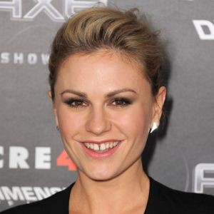 Anna Paquin Continues To Be Her Awesome Self, Discussing Bisexuality And Motherhood
