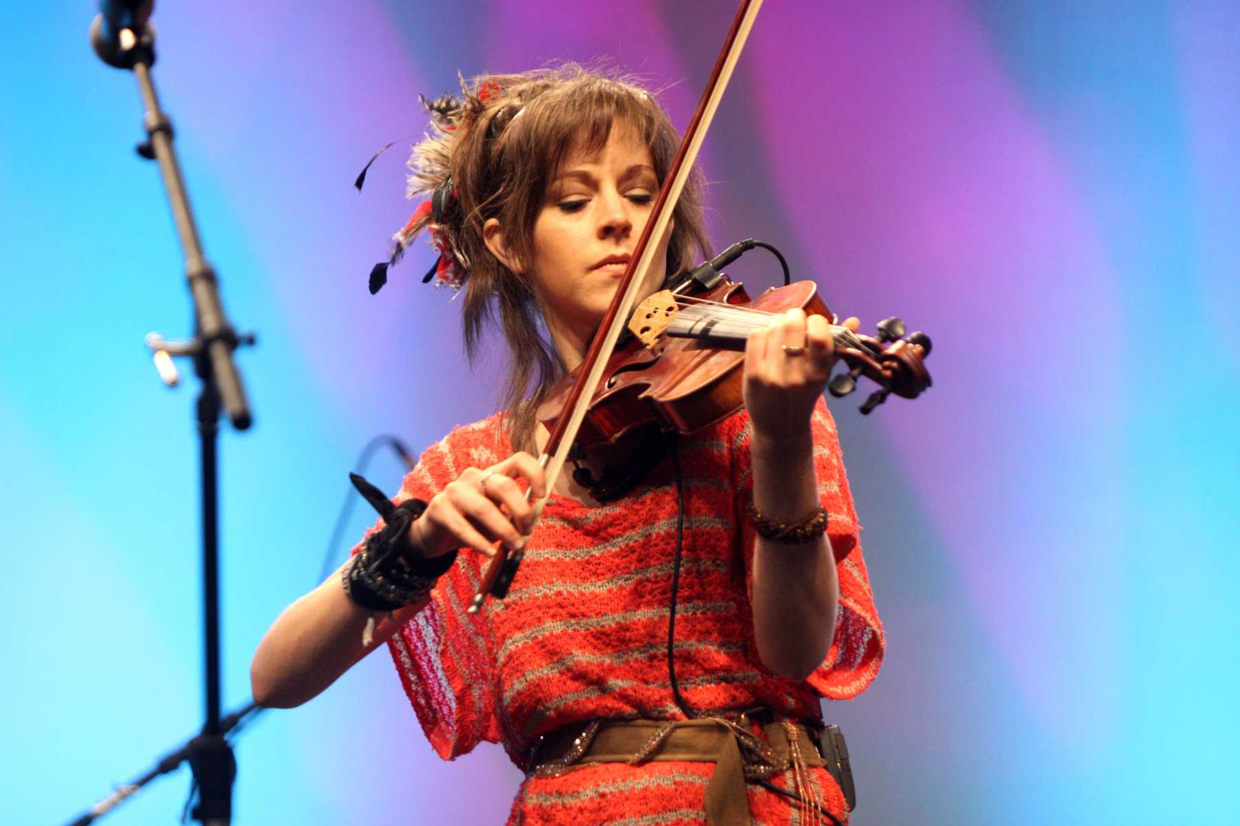 Lindsey Stirling Returns And The Battle For A Semifinal Spot Continues On This Week's 'America's Got Talent'