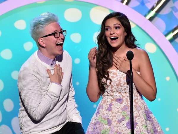 Are The Teen Choice Awards Rigged? Fans Certainly Think So | Teen Choice Awards