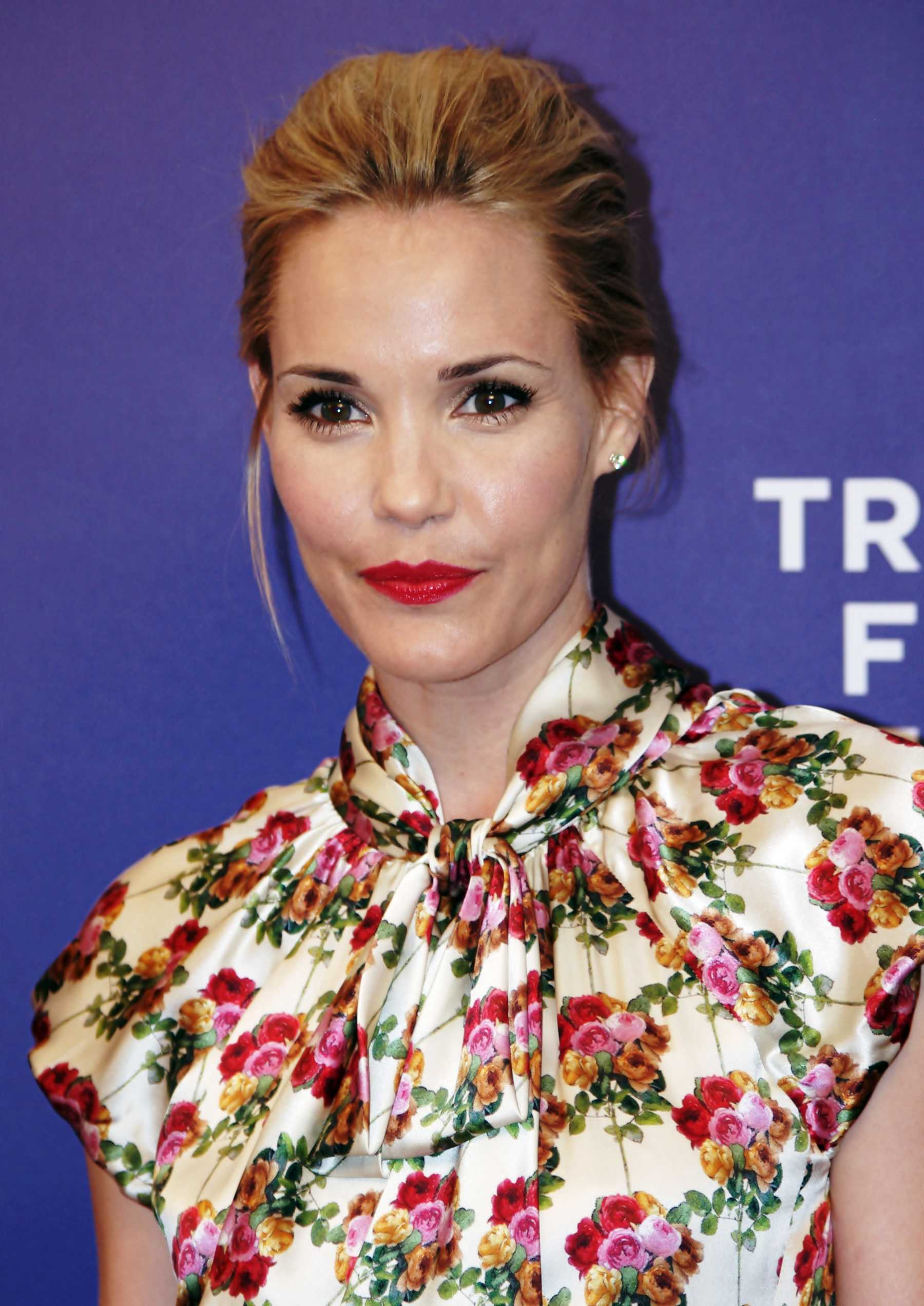 The Following's Leslie Bibb Joins 'The Odd Couple' Reboot | Leslie Bibb