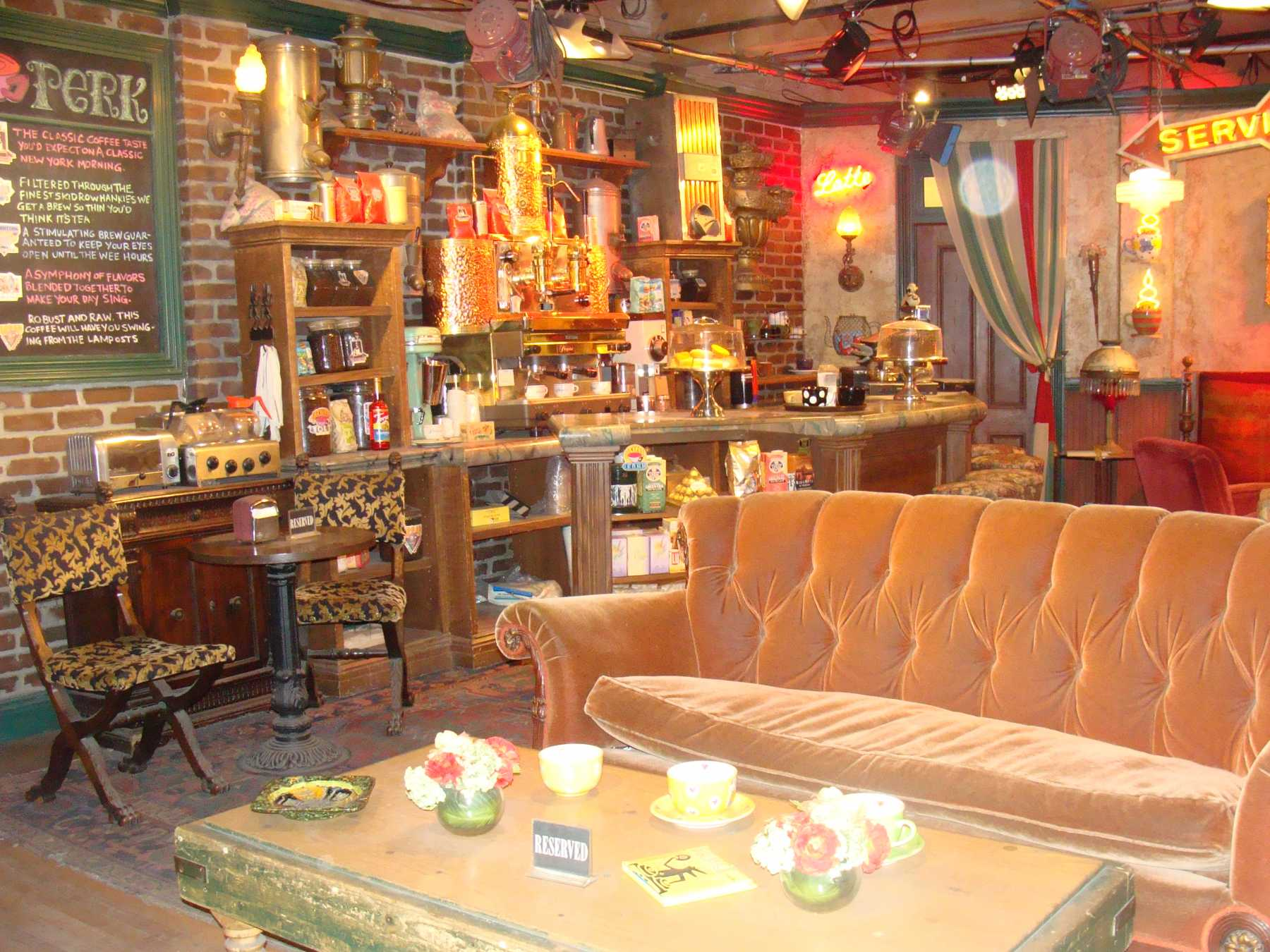 FRIENDS Twentieth Anniversary Inspires Pop-Up Central Perk | FRIENDS
