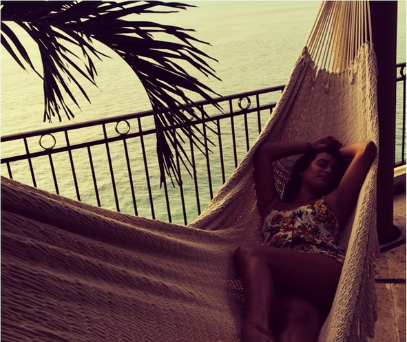 Lea Michele Celebrates Her 28th Birthday In Mexico | Lea Michele