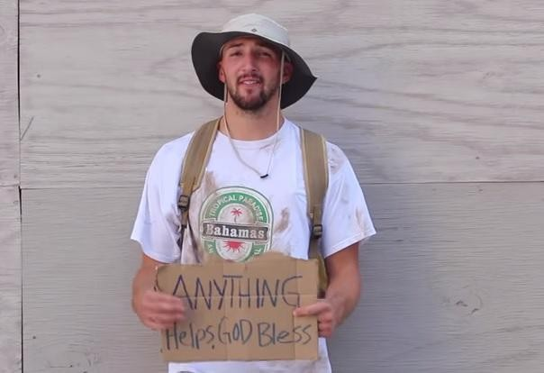 YouTube Prankster Big Daws Dressed Up As A Homeless Man, Gives Money To Givers | big daws