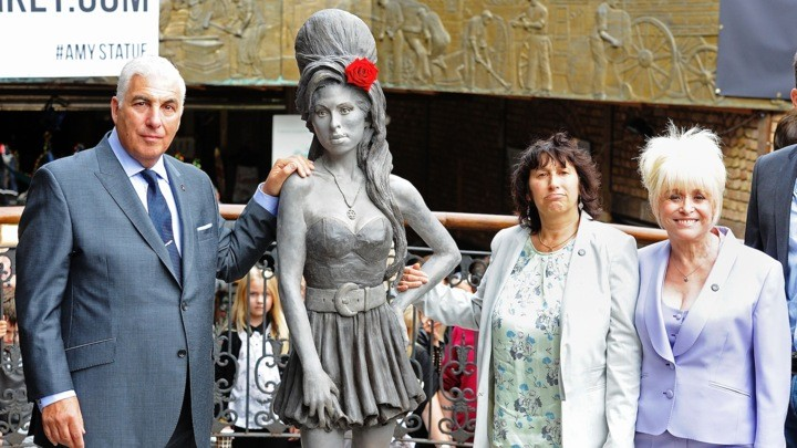 Statue Erected In London As A Memorial To Amy Winehouse | amy winehouse