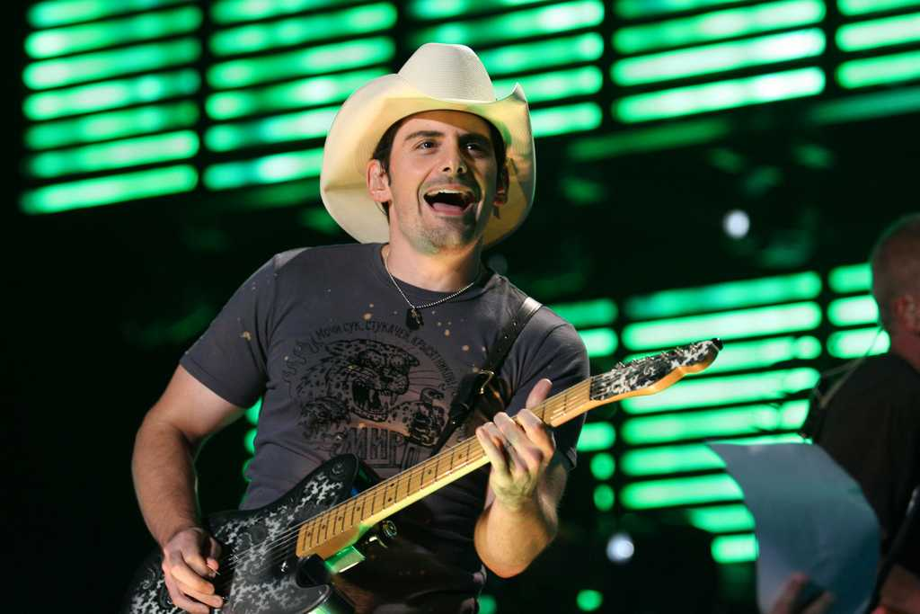 Brad Paisley Believes In Keeping His Sons Grounded | brad paisley