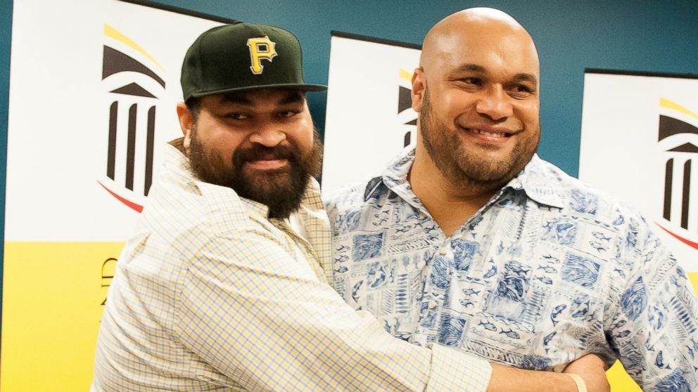 Brothers and Rivals Ma'ake And Chris Kemoeatu Share the Gift of Life With an NFL Style Kidney Transplant | Chris Kemoeatu