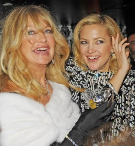 Kate Hudson Reveals That She And Mother Goldie Hawn Can See Dead People | Kate Hudson
