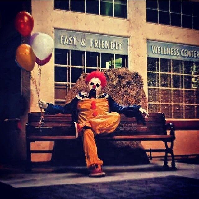 'Wasco Clowns' Terrify And Thrill Residents In California Town | Wasco clowns