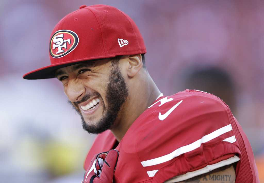 Colin Kaepernick Fined By NFL For Wearing Headphones | Colin Kaepernick