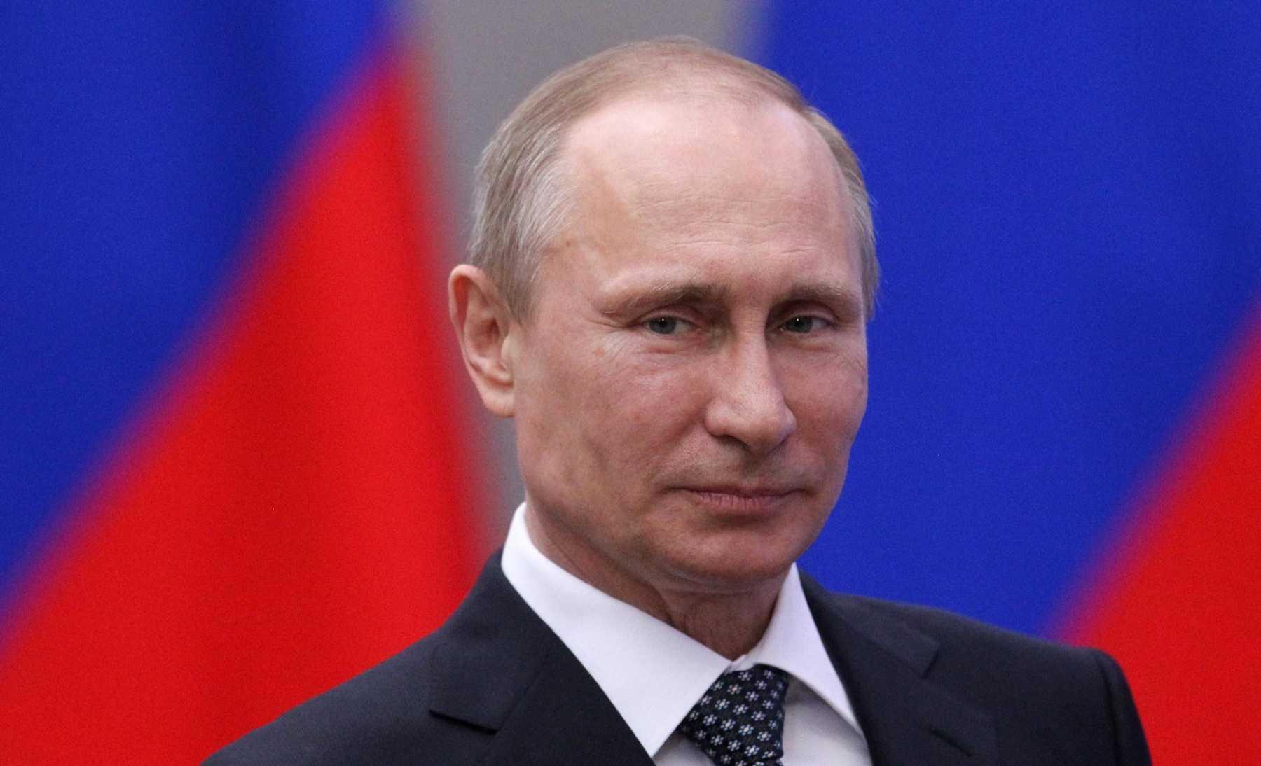Putin Finally Pulls Troops From Ukraine Border | putin