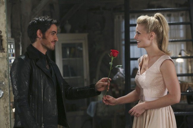 Hook And Emma Have Their First Date And Anna Outwits Rumple On This Week's OUaT  | OUaT
