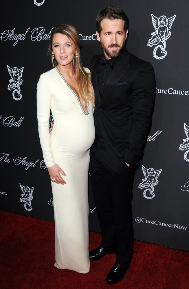 Blake Lively's Pregnancy Glow Is Blinding As She Steps Out With Husband Ryan Reynolds | Blake Lively
