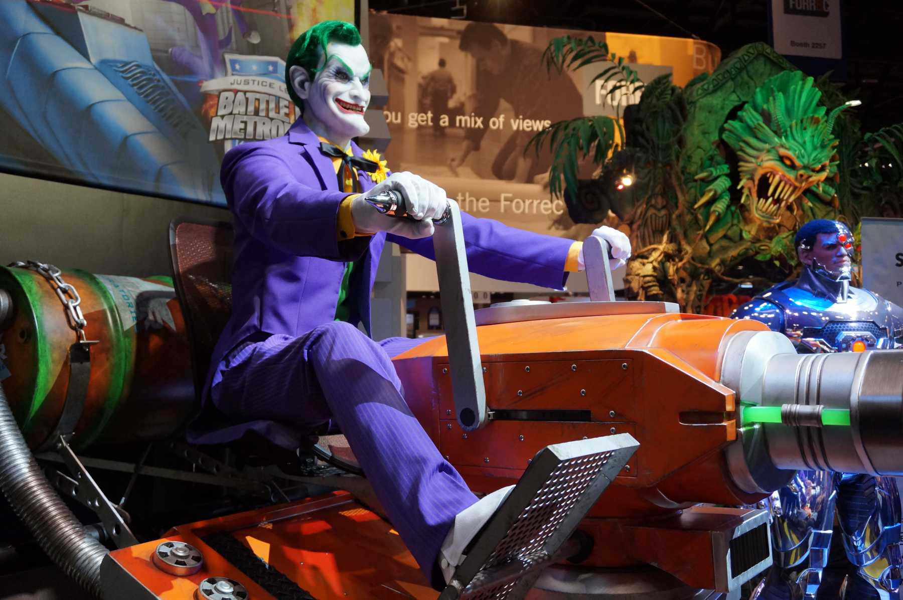 Joker Takes On The Justice League At Six Flags' Battle For Metropolis | Six Flags