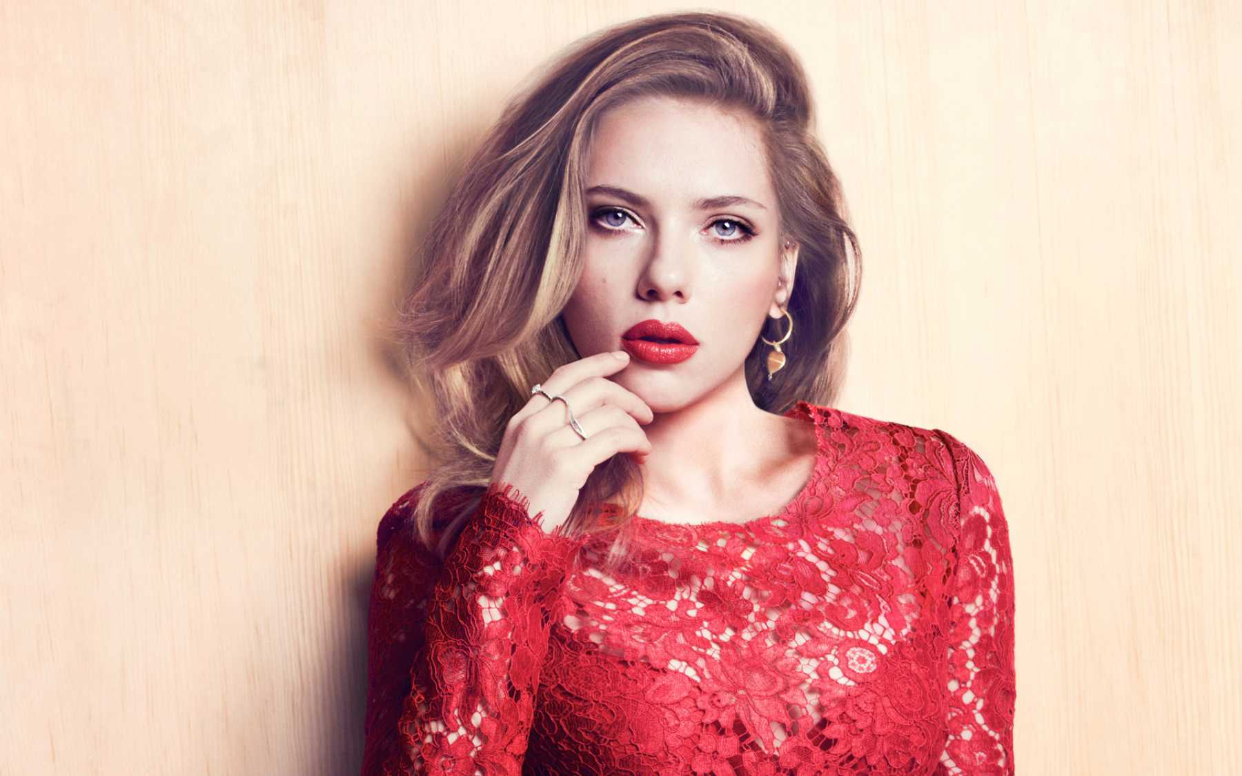 Scarlett Johansson Forms A Girlband And They Have A New Tune Out | Scarlett Johansson
