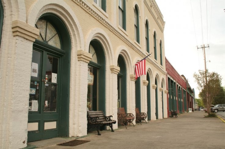 Georgia Town Used On